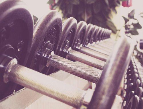 Entrenar con pesas y sus beneficios