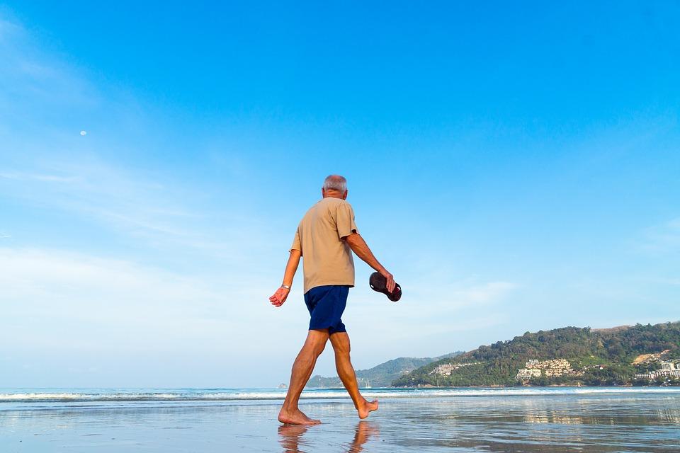 5 eercicios para fortalecer las piernas en personas mayores